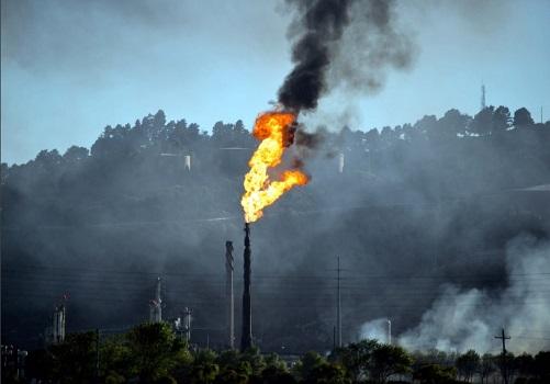 Image Courtesy: Oil Change International http://priceofoil.org